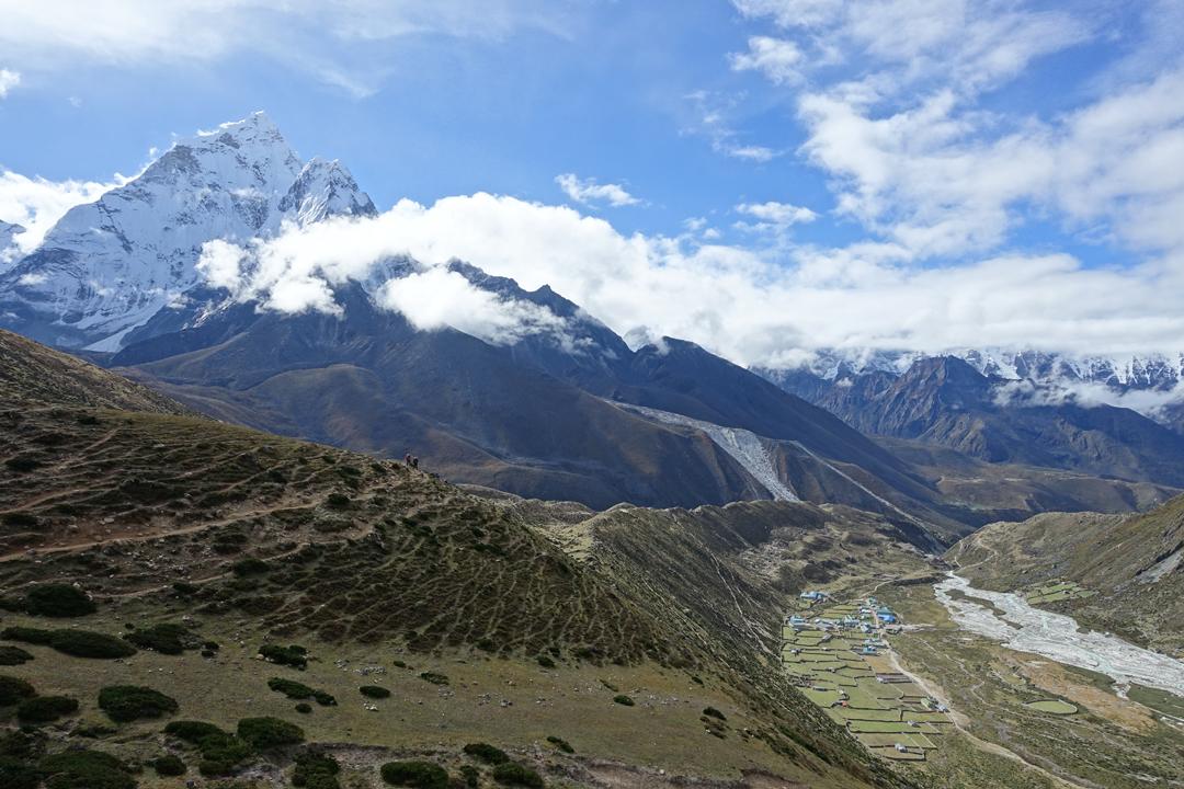 Everest Base Camp and Gokyo Lake Trek – Day 7 – Dingboche to Lobuche