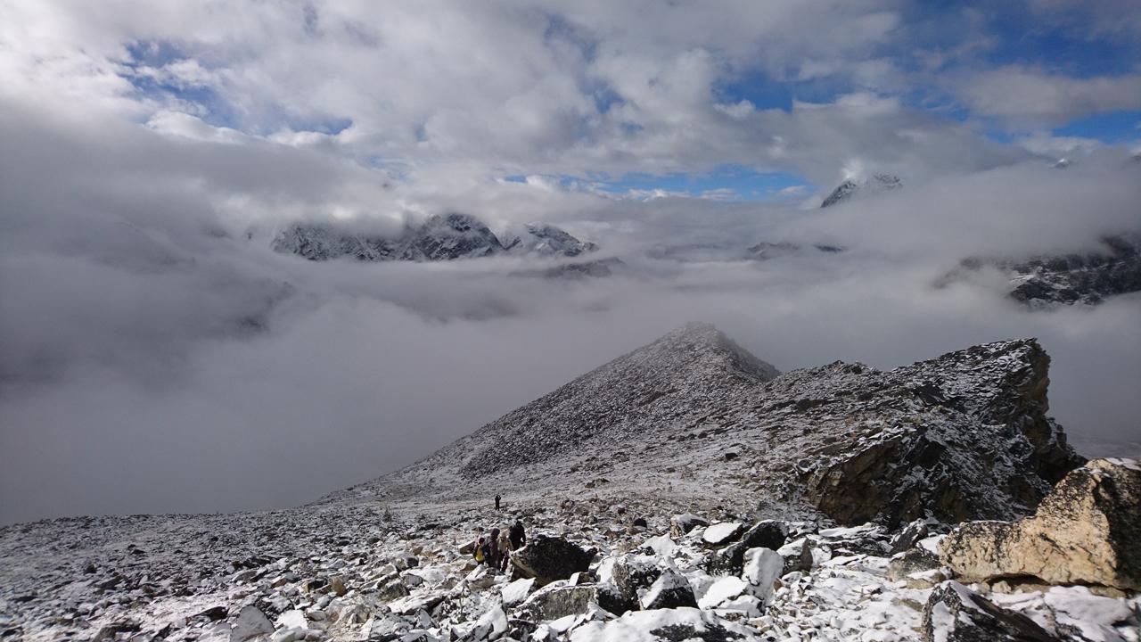 Everest Base Camp and Gokyo Lake Trek – Day 9 – Kala Patthar, then Gorak Shep to Zonghla